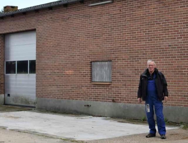 70-årig murer fortsætter og hans byggefirma er flyttet ind i den gamle mølle